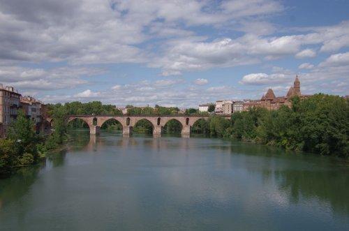 Montauban: die berühmte alte Brücke