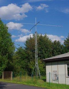 Alugittermast mit DLP11-Antenne bei DK0TUI