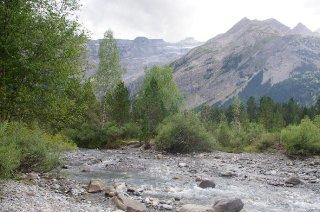 Mountain creek in the Gavarnie valley