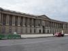 an der Seite des Louvre