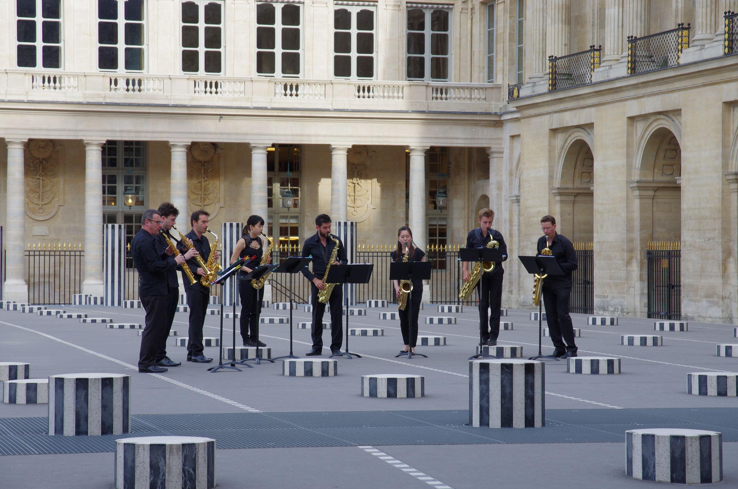 Musikalische Umrahmung einer Ausstellung, leider durften da nur geladene Gäste in Schlips und Kragen rein